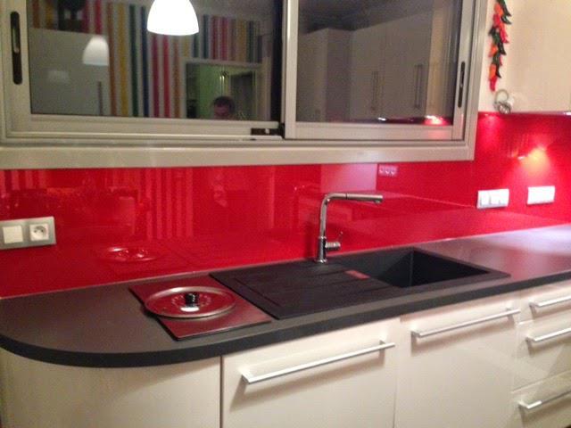 Cr dence en verre archives abm miroiterie vitrerie - Credence pour cuisine rouge ...