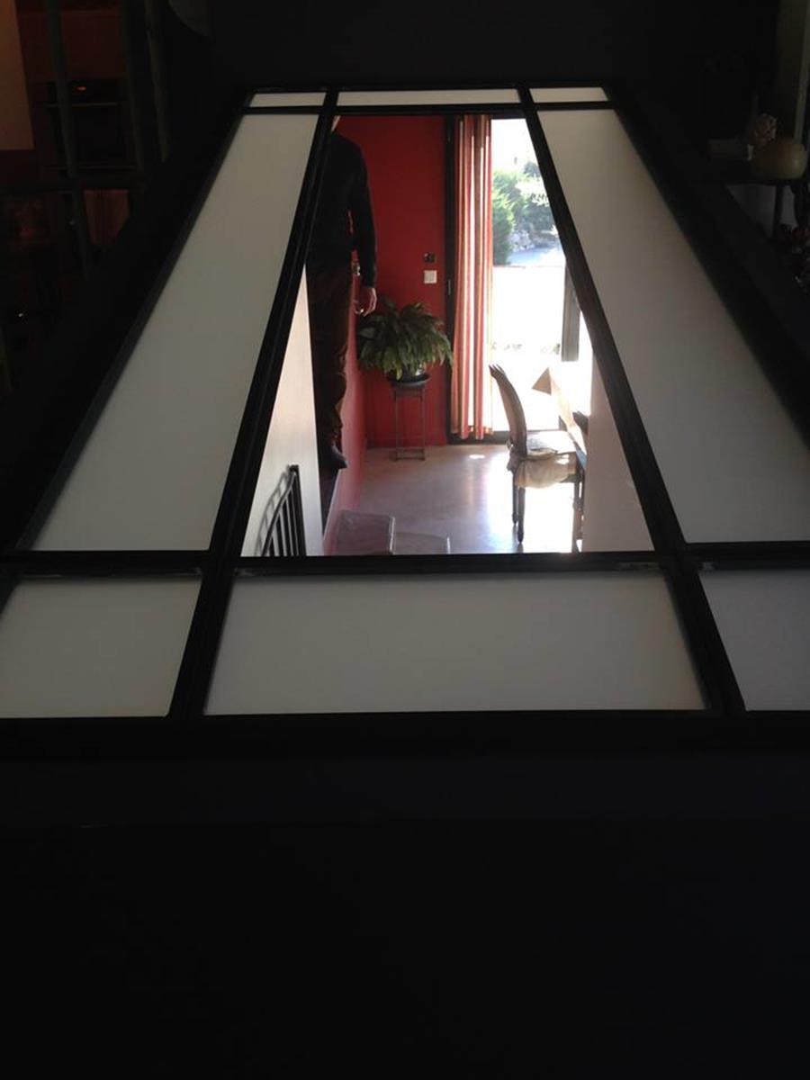 dalle de plancher en verre puit de jour abm miroiterie. Black Bedroom Furniture Sets. Home Design Ideas