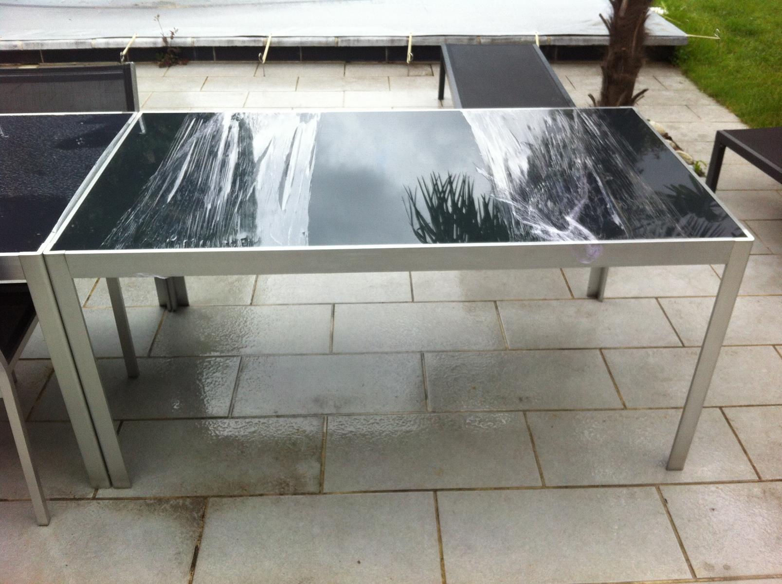 Table en en verre toulouse table en verre s curit laqu - Verre securit pour table ...