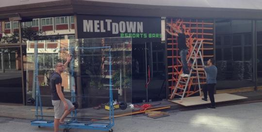 Vitrine Meltdown