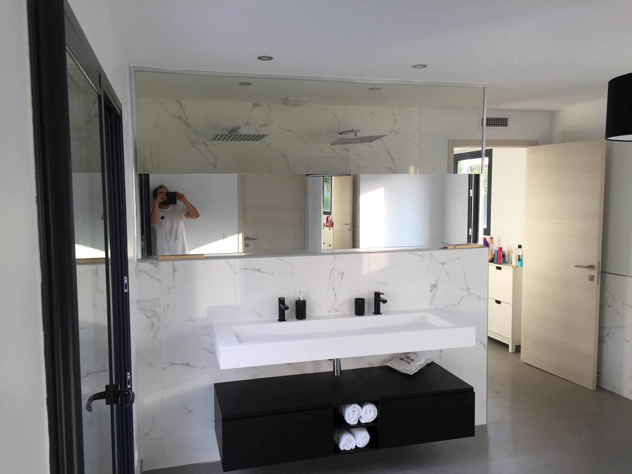 cloison de douche en verre tremp abm miroiterie vitrerie. Black Bedroom Furniture Sets. Home Design Ideas